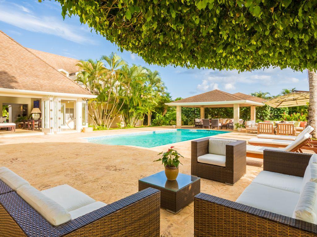 Villa del sol exclusive villa rental caribbean golf for Villas del sol